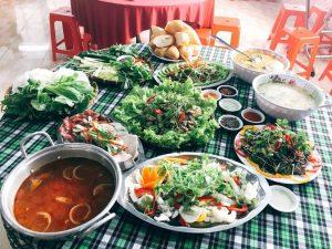 bàn ăn faftravel